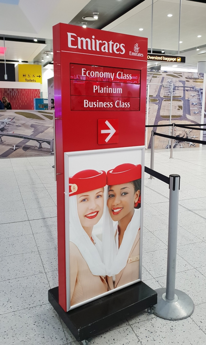 emirates check in information stand